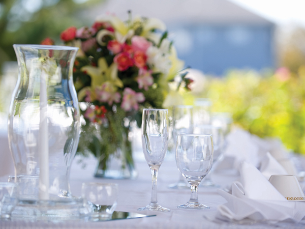 Virden_wedding_setup_detail_600x450-28fpoqj