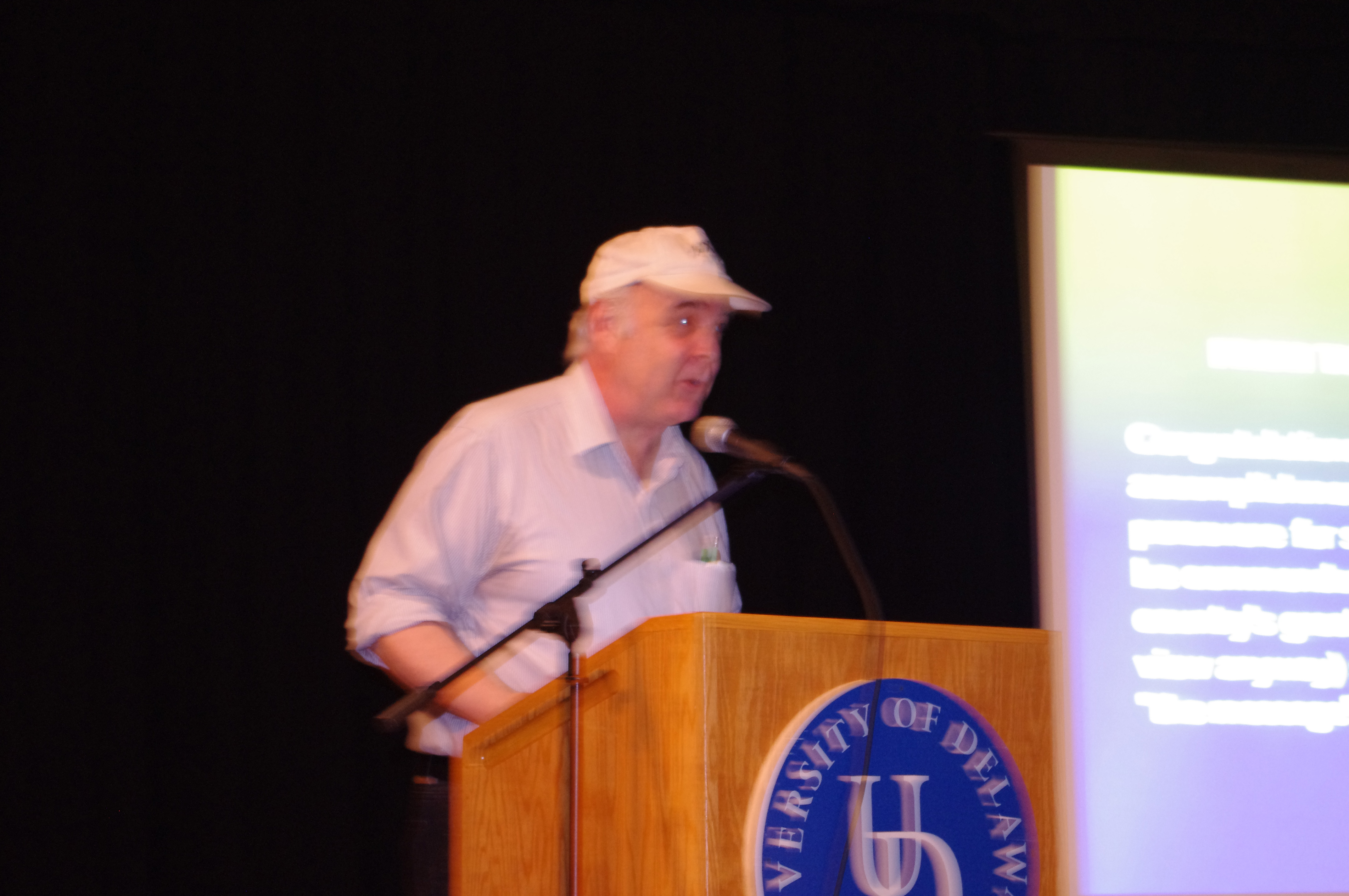 Ron Smith speaks to the audience