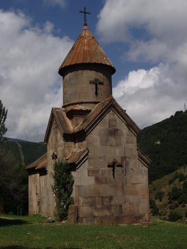 medieval-church-in-armenia-arm005-jpg.jpg
