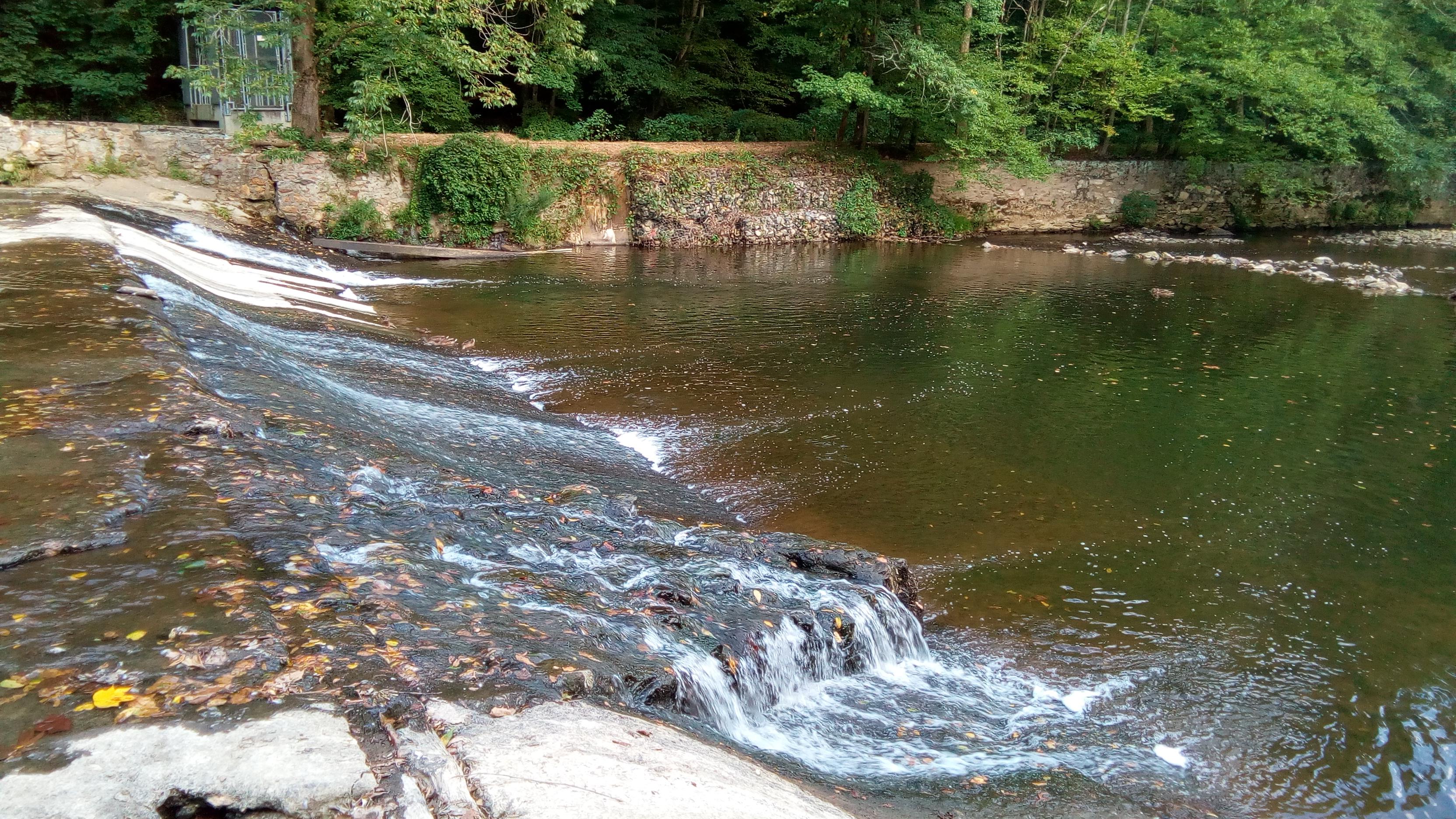 Mini Falls at White Clay Creek by Ashraf Chowdhury
