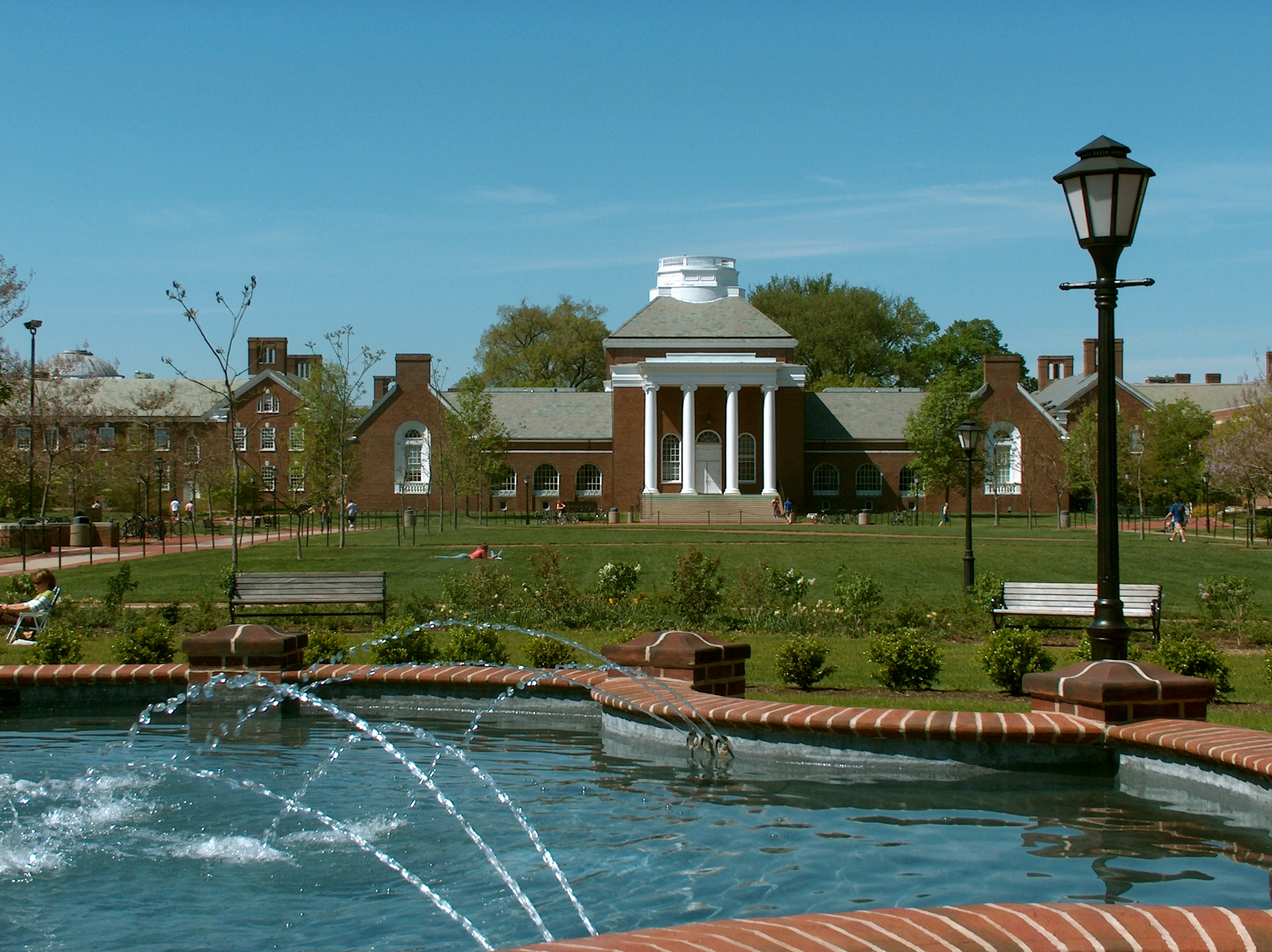 magnolia fountain in foreground, memorial hall in background