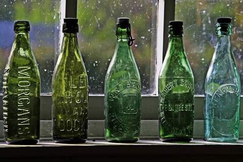 Five Green Bottles - photo by Leo Reynolds on Flickr-001