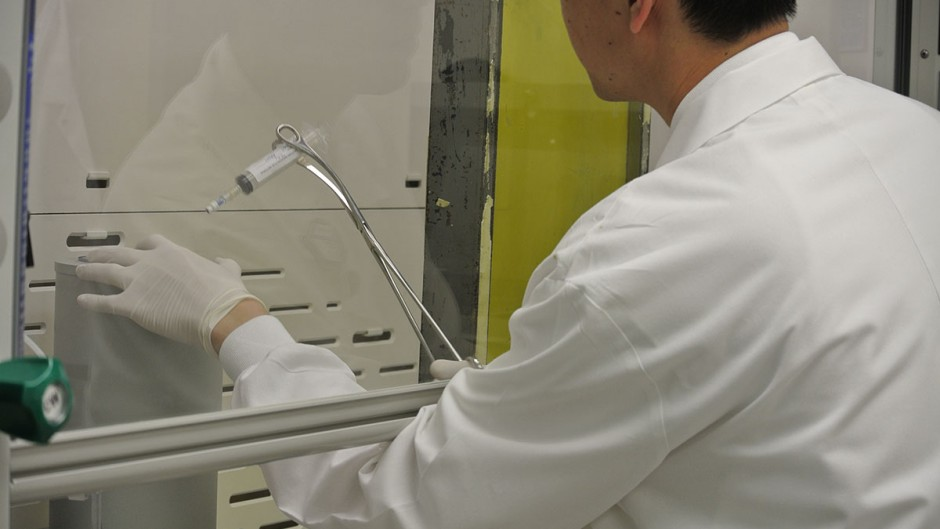 Yuan-Chuan Tai, PhD, associate professor of at Washington University School of Medicine, working in the Plant Imagining Lab in East Building of WUSM.