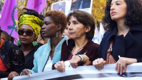 De Paris A Ferguson: Coupable d'etre Noirs/Not Yo Mama's Movement