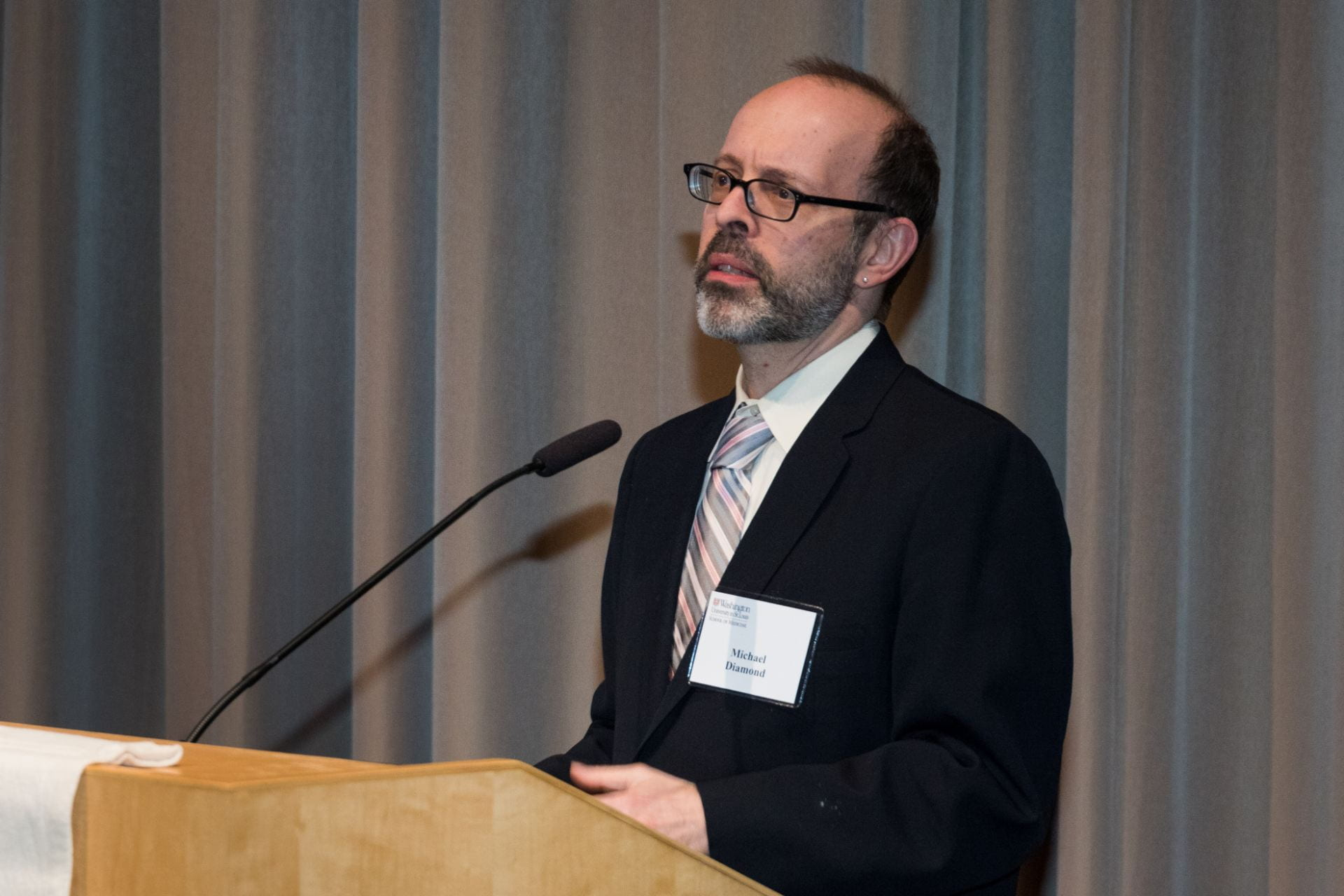 Associate Director Dr. Michael Diamond explores Discoveries in Basic Biology of Infectious Diseases and Their Rapid Transition to Drug and Vaccine.