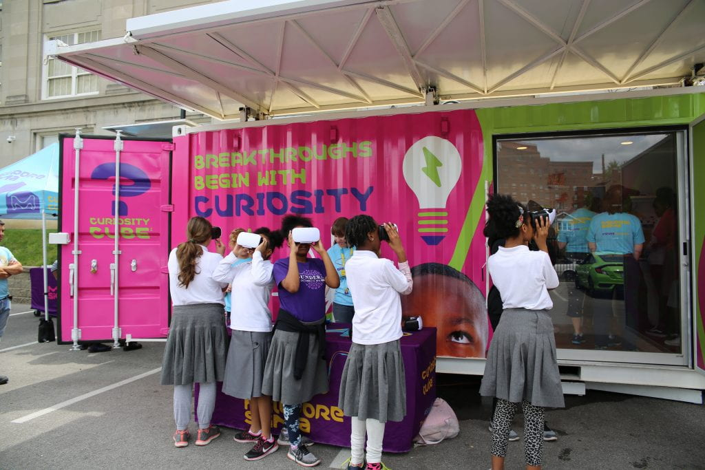 Mobile science lab sparks curiosity in Hawthorn students