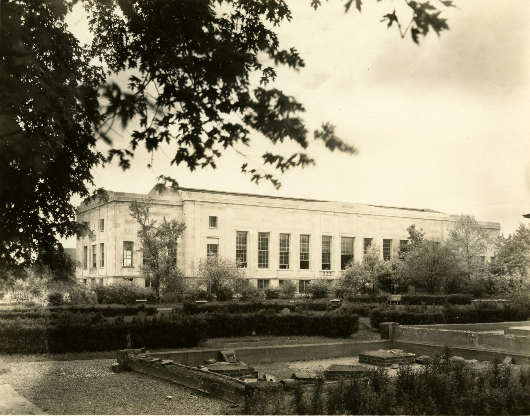 1927 photograph of Bixby Hall on the campus of Washington University in St. Louis.