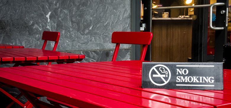 No smoking sign on restaurant table