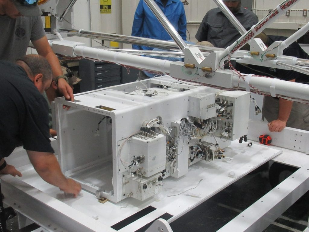 Mounting of the Support Instrument Package