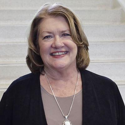Julia Earl