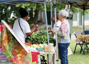 Cleveland's Gateway 105 Farmers' Market is one of more than two dozen farmers markets in and around Cuyahoga County participating in the Produce Perks program. (Photo: Ken Chamberlain, CFAES.)