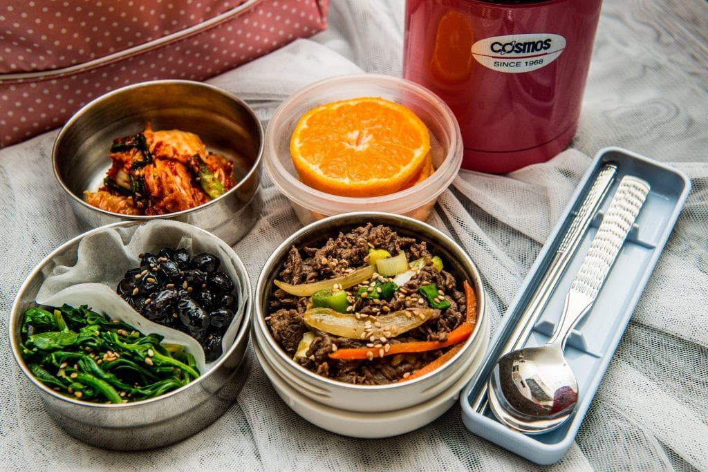 Waste-Free lunch with several reusable containers