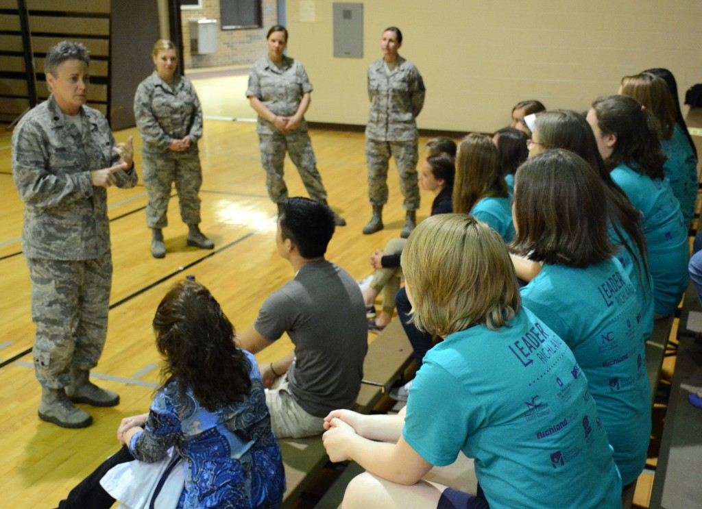 Members of the 179th Airlift Wing talk to LeaderRichland students about career options.