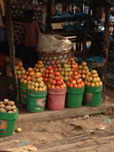 TZ Market Tomatoes2