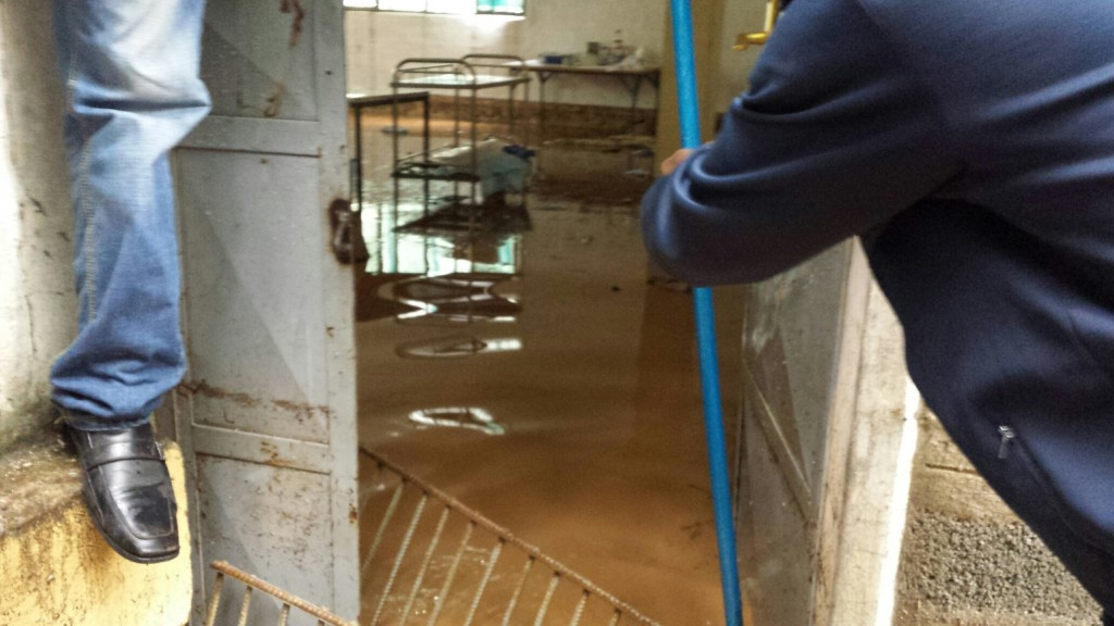 flooded-surgical-suite