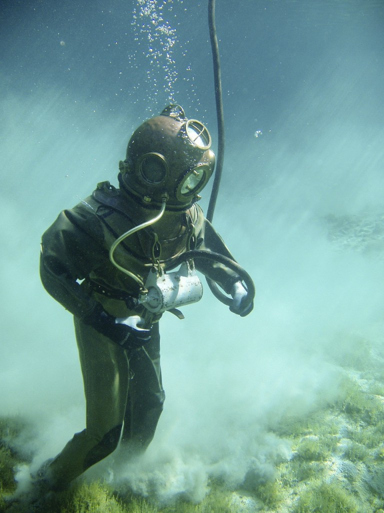 underwater-378216_1280