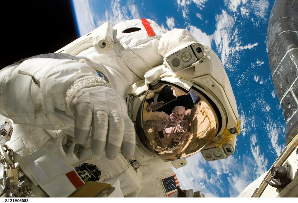 astronaut-11080_1280