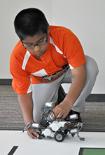 4-H robot Small