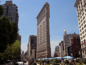 Precedence of Manhattan Flatiron, first New York City skyscraper