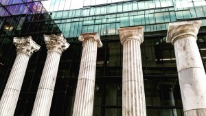 Picture 5: The classical columns give reference to the history of architecture.