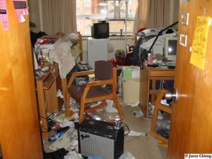 move out tips- messy room