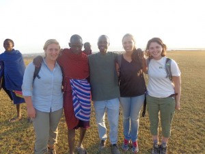 We spent an afternoon identifying animal tracks with the Maasai (I'm on the far right) !