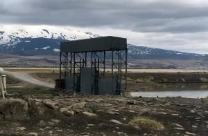 Locks control the flow of the Þjórsá river at Búrfellsstöð power plant.