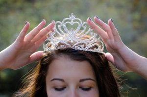teen with tiara