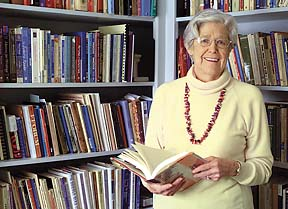 Michael McNamara photo Winifred Bryan Horner of Columbia, a former English Professor at MU will receive the Conference of College Composition and Communication's Exemplar Award. She is posing in her office, where she does most of her work. dit archive/feb 2003/features/Horner, Winifred/mm
