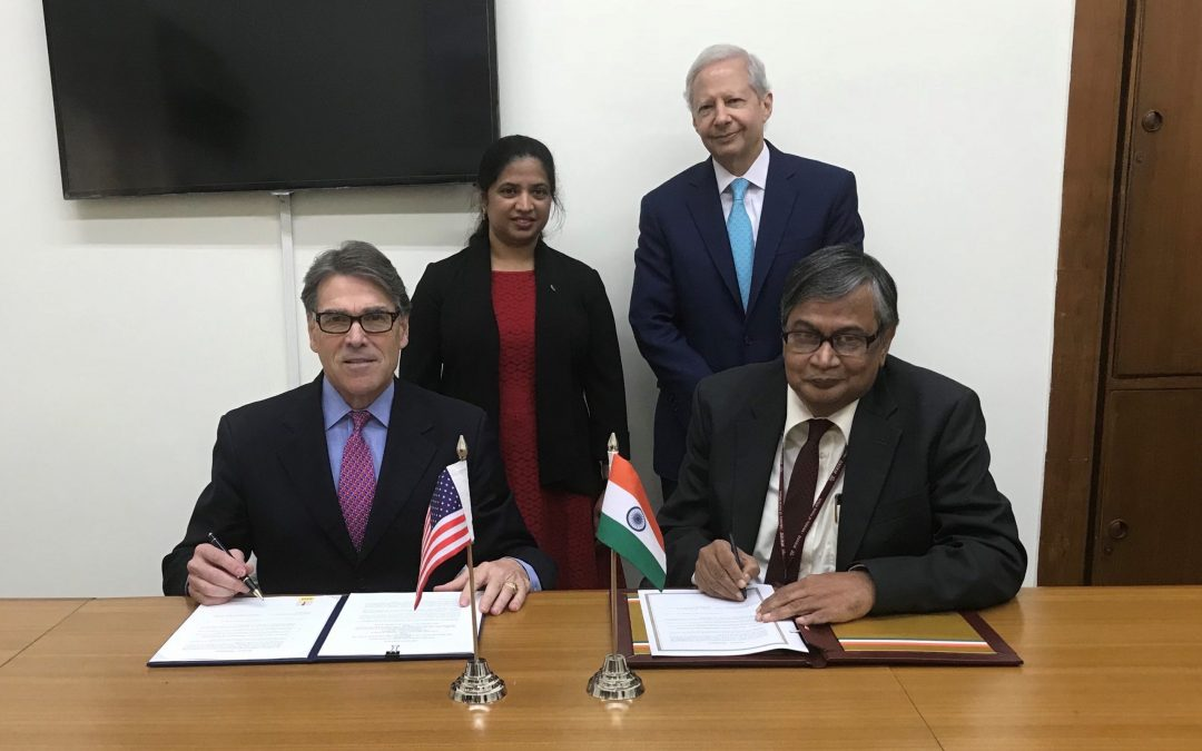 U.S., India sign agreement providing for neutrino physics collaboration at Fermilab and in India