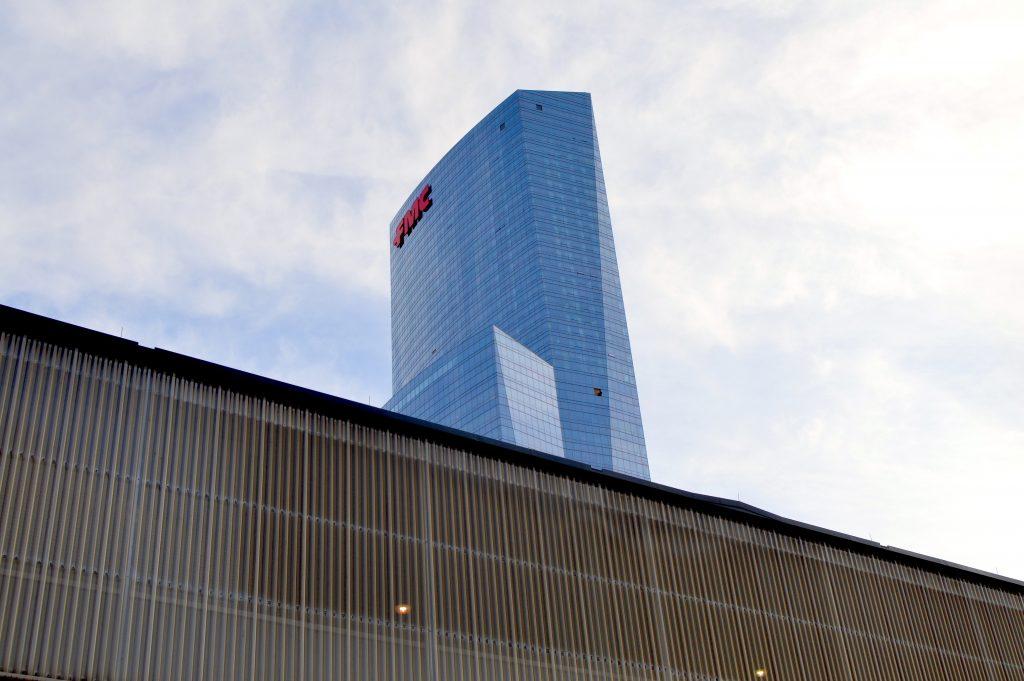 glass-bldg-Philly-15pwavv