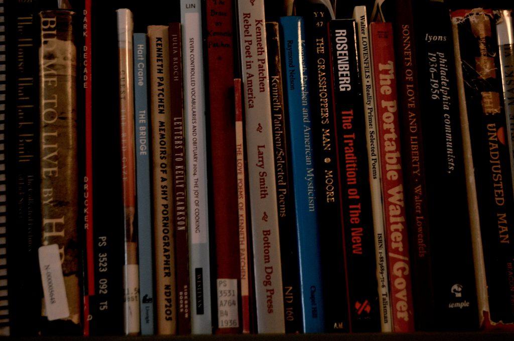 books-1bx7g8n