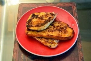 """Roman """"French"""" toast on a plate"""