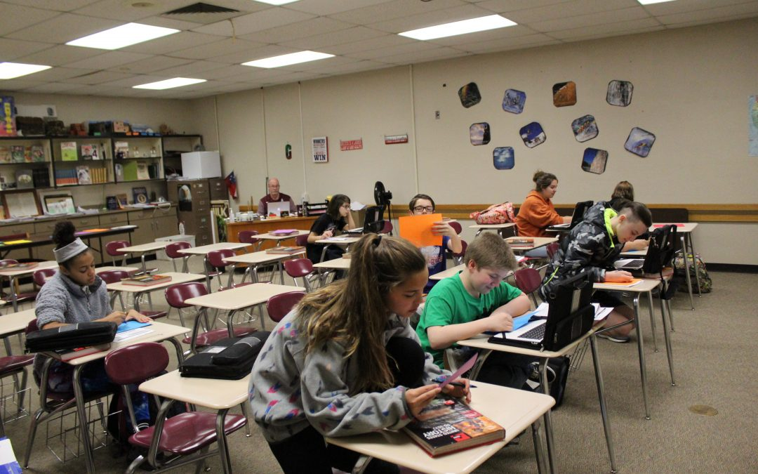 Eighth Graders Send Special Letters to Troops