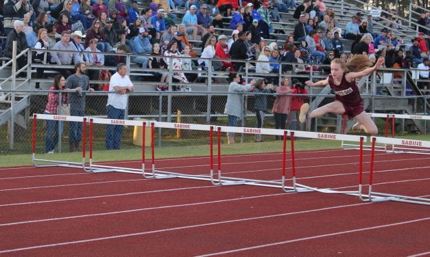 Seventh Grade Ladynecks win Cardinal Relays