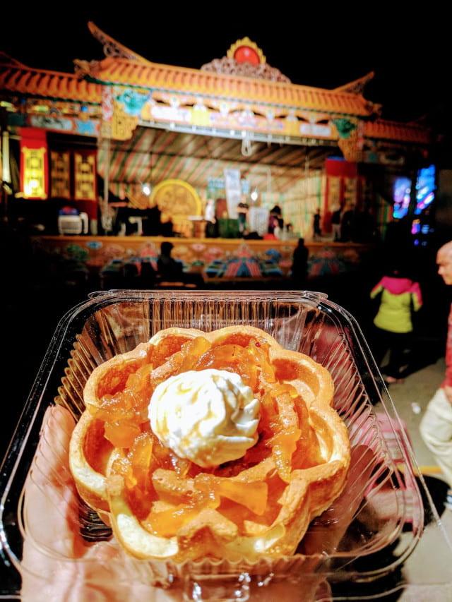 apple pie flower waffle