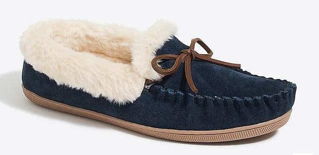 navy blue and white fuzzy slippers