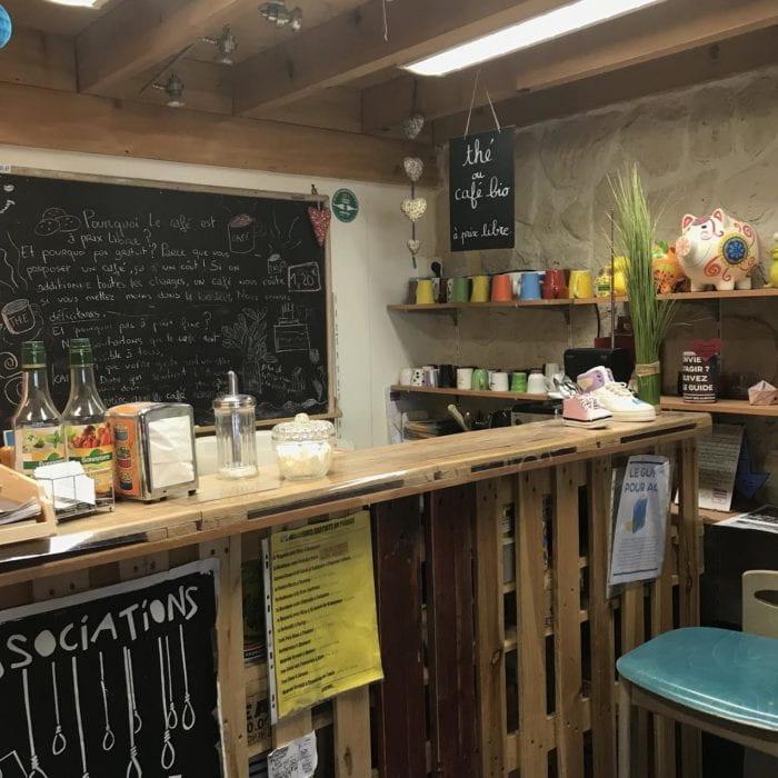 Cafe in Boutique Sans Argent (The Shop Without Money)