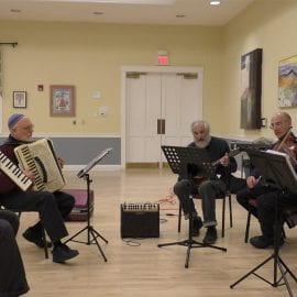Building Klez-munity: The Diverse Klezmer Music Scene in the Pioneer Valley (2017)