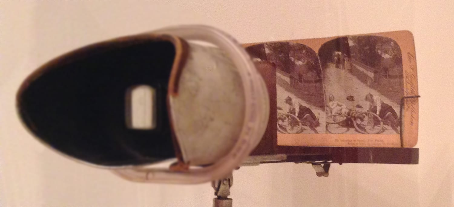 image of a stereoscopic viewer