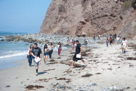 Students on Earth Science Field Trip