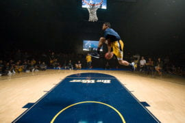 Will Davis II slam-dunking