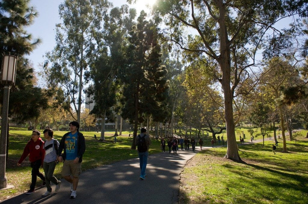 A record 88,792 students seek admission to UCI in fall 2015
