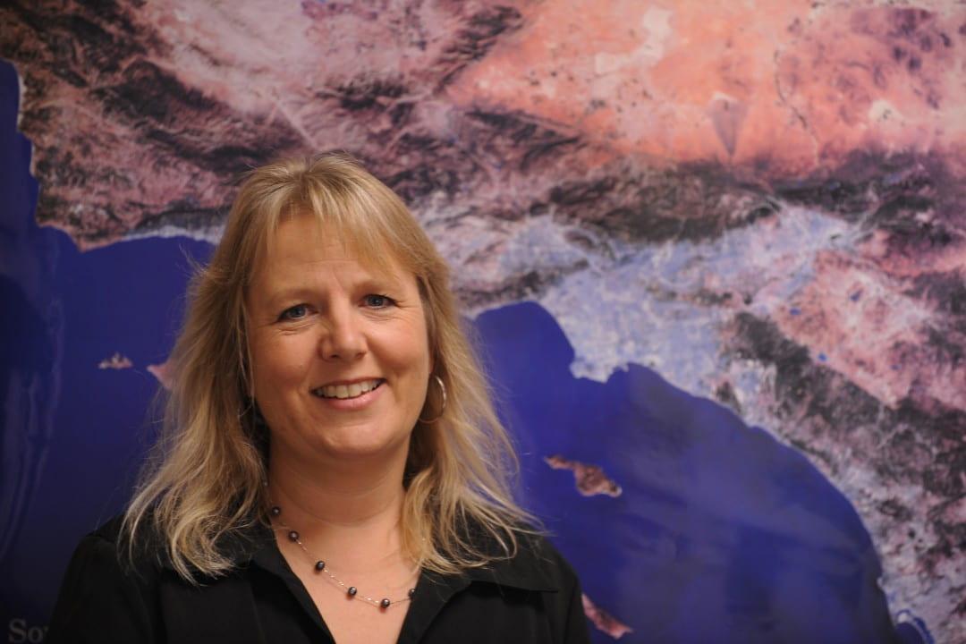 UCI seismologist Lisa Grant Ludwig