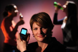 Researcher asks teens: r u drinking?