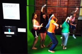 Undergraduate choreography class members