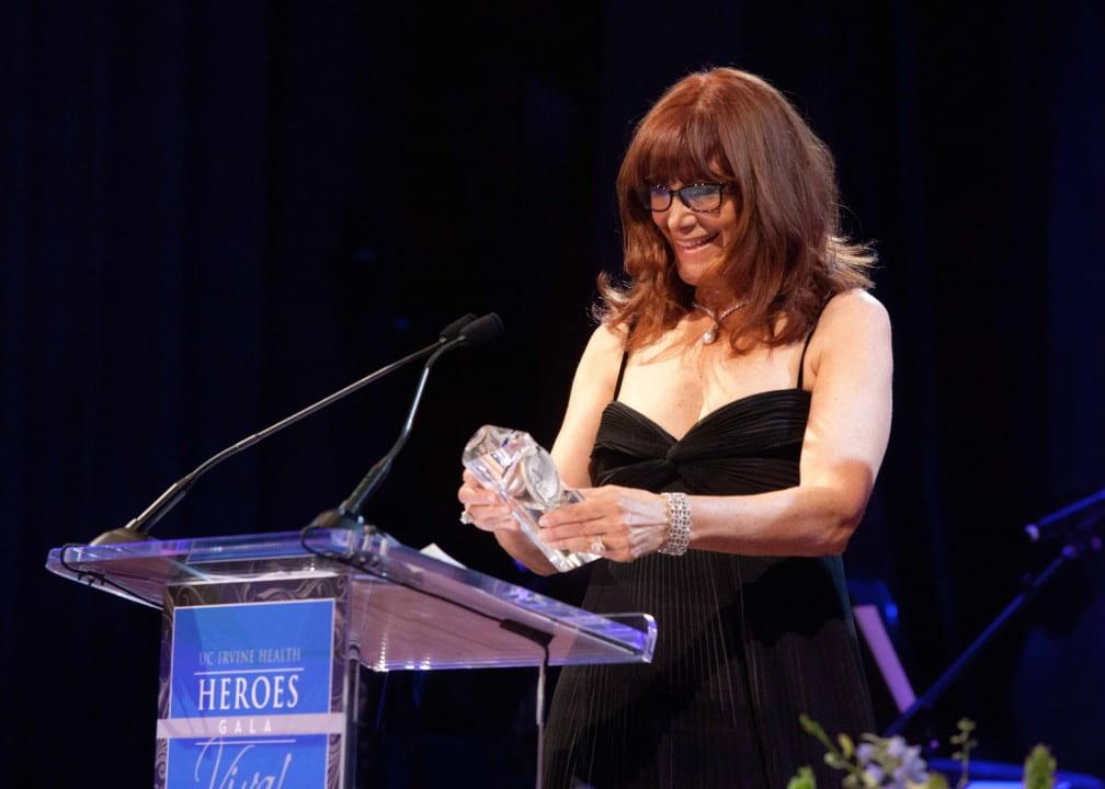 Susan Samueli receives an award at the UC Irvine Health Heroes Gala