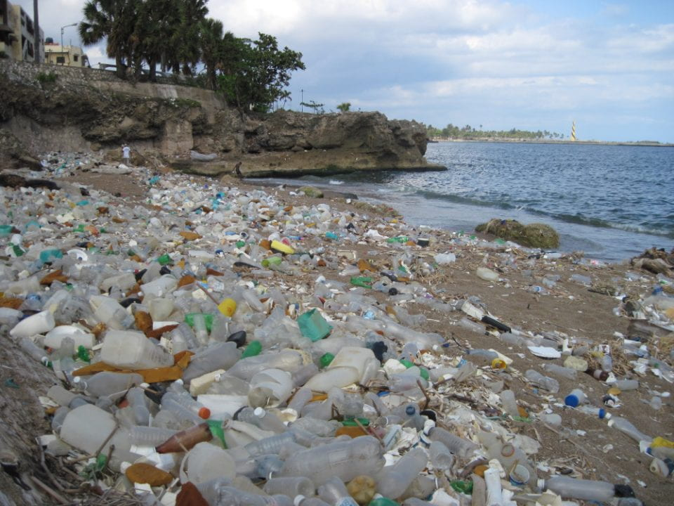 New method could inexpensively recycle plastic trash into liquid fuel and industrially beneficial waxes.