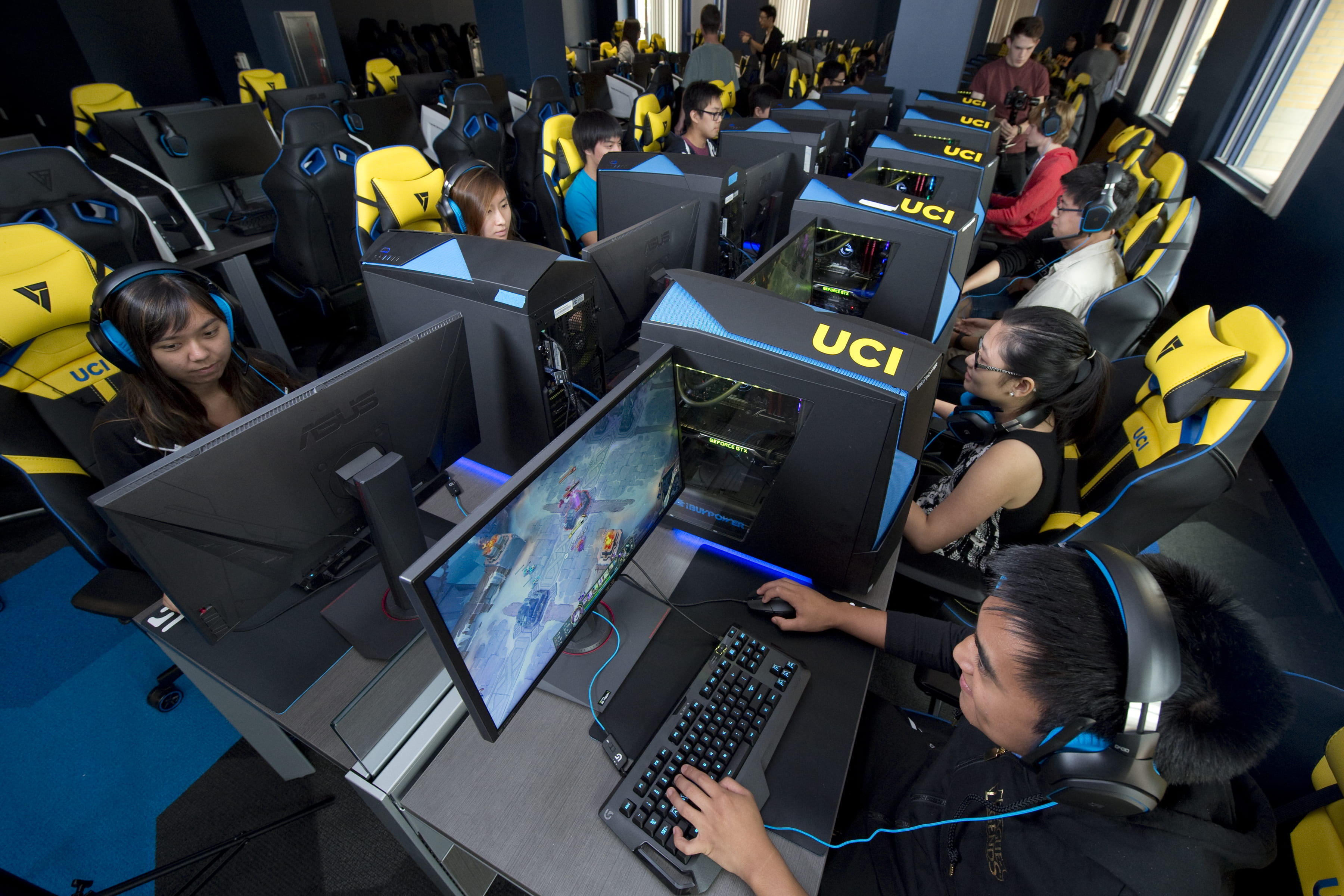 UCI to launch eSports arena, introduce first-ever varsity ...