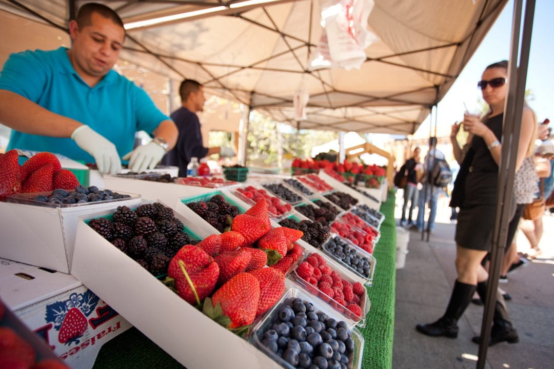 As part of its commitment to fighting hunger, the campus will supplement its year-old food pantry stocked with nonperishable goods for students in need –with free, monthly farmers markets that allow access to fresh produce.  Hoang Xuan Pham / UCI